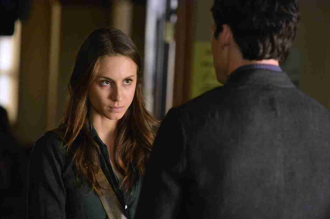 Pretty Little Liars Live Recap: Season 4, Episode 18 — Spencer Tries to Prove Ezra Is Evil