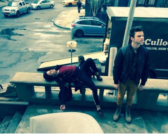 Glee Spoiler Photo: Rachel, Kurt and Blaine in NYC — Where's Santana?
