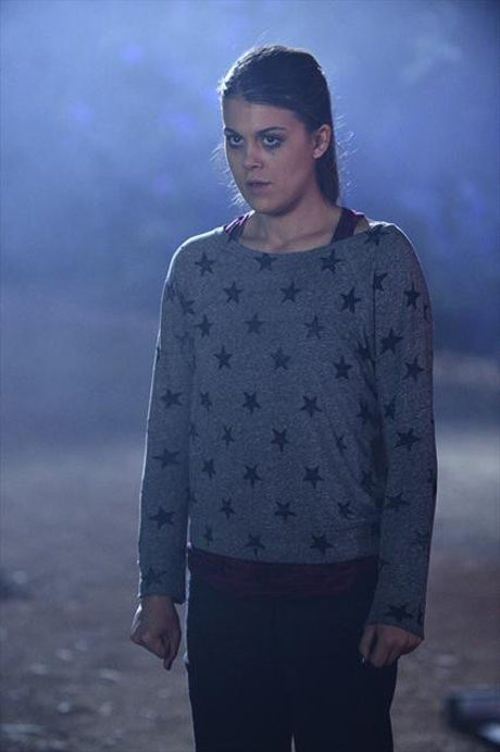 """Pretty Little Liars Spoilers: Paige Is """"Threatened"""" By Ali's Reappearance"""