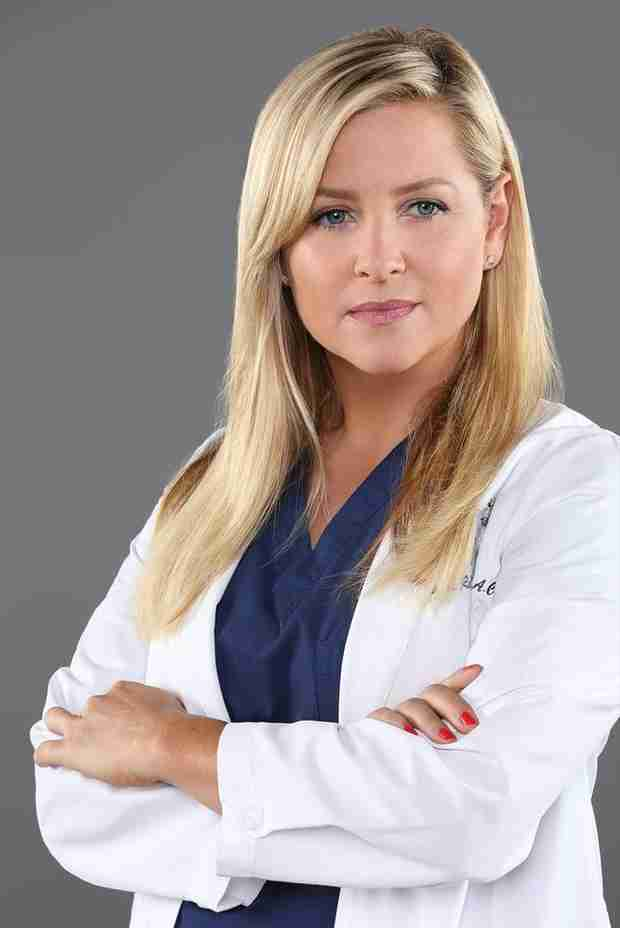 Grey's Anatomy: Arizona Trying to Force Happiness By Buying House, Says Jessica Capshaw