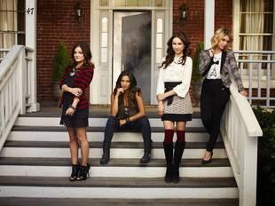 Pretty Little Liars Season 5 Premiere Spoilers: The Liars Are on the Run!