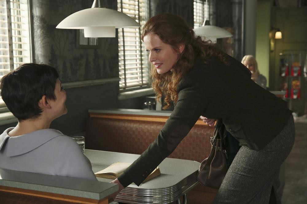 """Once Upon a Time Spoilers: Zelena and Regina Have """"Very Different"""" Intentions"""