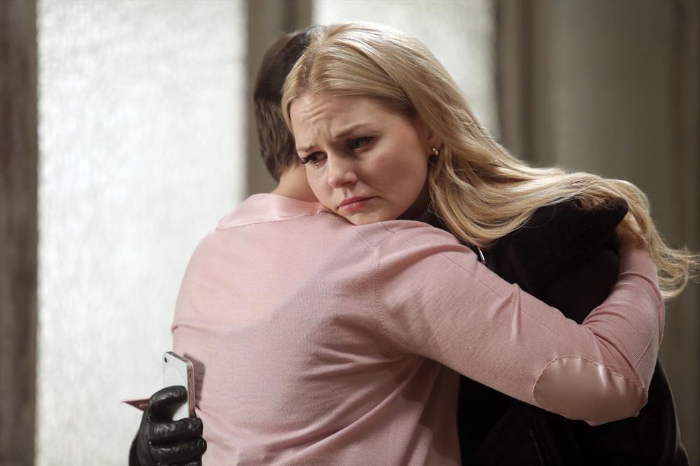"Once Upon a Time Recap: Season 3, Episode 15  ""Quiet Minds"" — [SPOILER] Dies!"