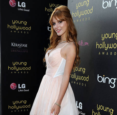 "Bella Thorne Has ""Major Wardrobe Malfunction"" at Kids' Choice Awards — See Pic!"