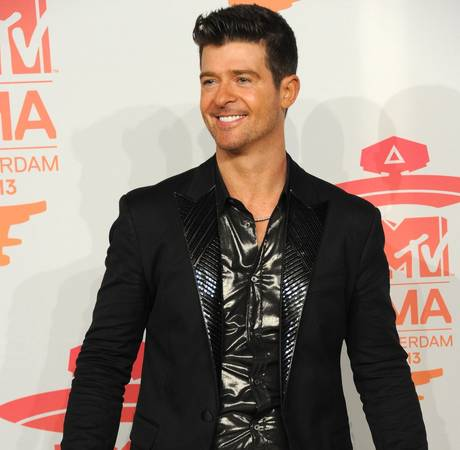"Robin Thicke Opens Up About Paula Patton Split: ""I'm Trying to Get My Girl Back"" (VIDEO)"