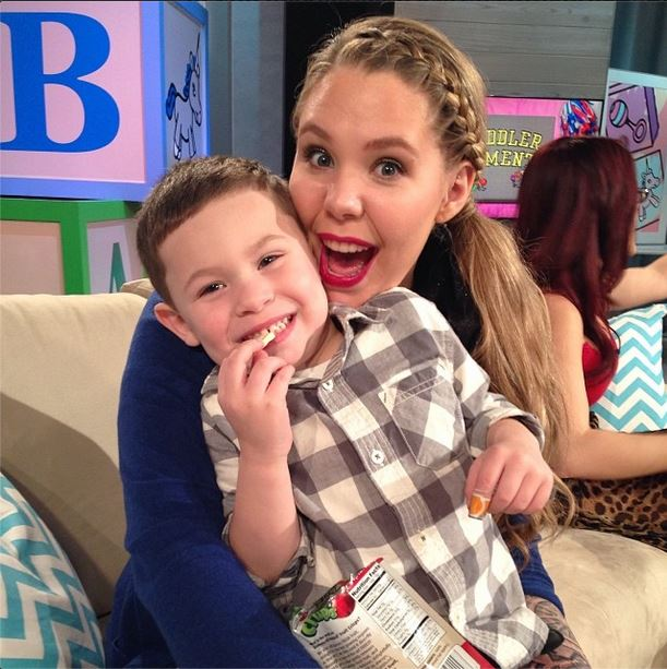 Kailyn Lowry Pumps Milk So She Can Party It Up on Her Birthday!