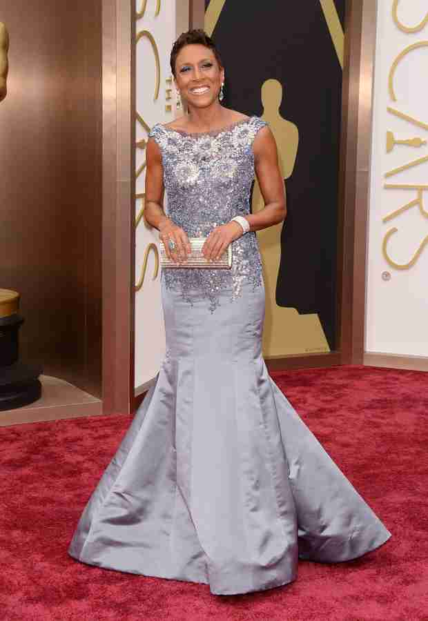 Oscars 2014: Robin Roberts Arrives on Red Carpet Without Girlfriend (PHOTO)