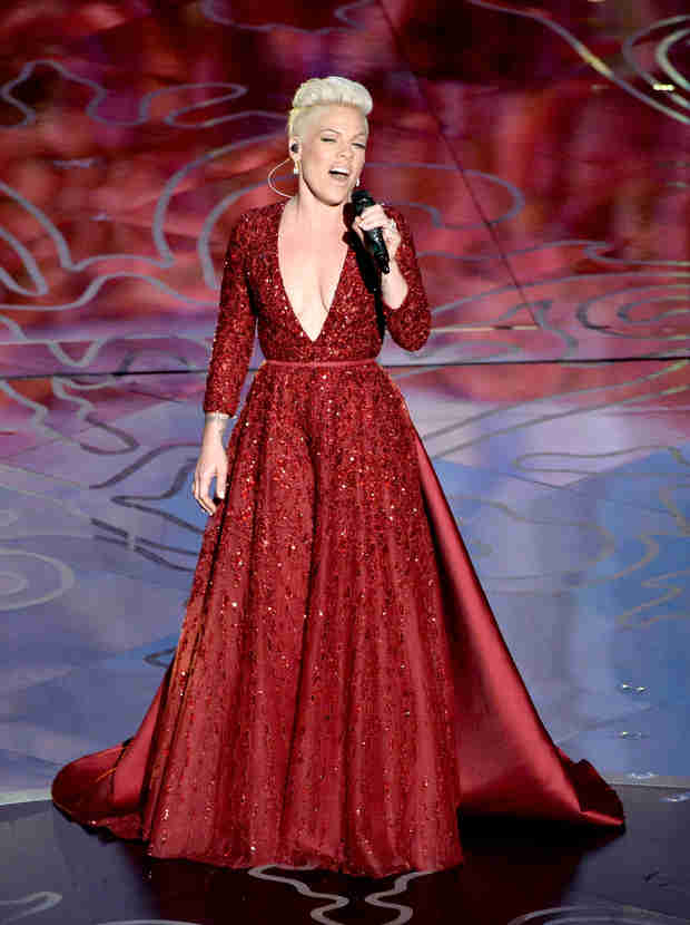 "Watch Pink Sing ""Somewhere Over the Rainbow"" at Oscars 2014 (VIDEO)"