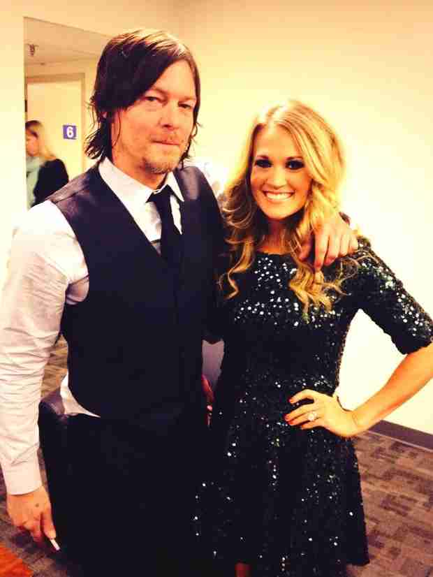 """Carrie Underwood Meets Norman Reedus, Has a """"Holy Crap"""" Fangirl Moment (PHOTO)"""