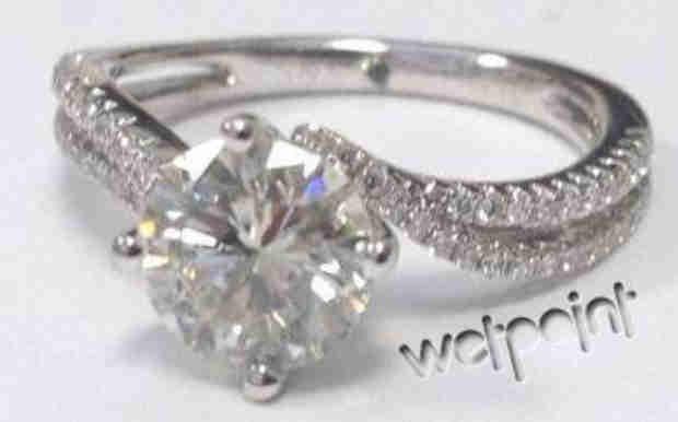 Renée Oteri's Engagement Ring: Exclusive Details on Her Stunning Diamonds! (PHOTO)