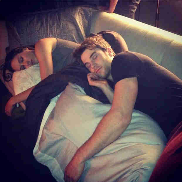Troian Bellisario and Nathaniel Buzolic Cuddle Up to Watch Pretty Little Liars (PHOTO)