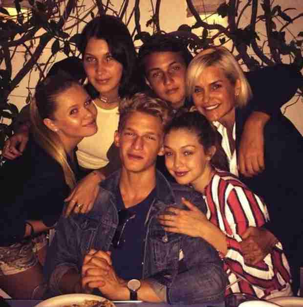 Cody Simpson Is Already an Honorary Member of Yolanda's Family (PHOTO)