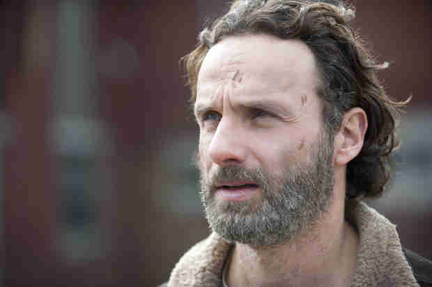 The Walking Dead Season 4 Spoilers: Marauders Try to Rape Carl in Finale?