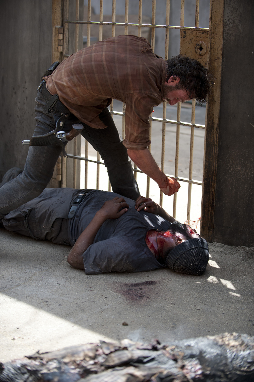 "The Walking Dead Season 4 Finale Spoilers: Rick Grimes Will Use a ""Surprising"" Weapon"