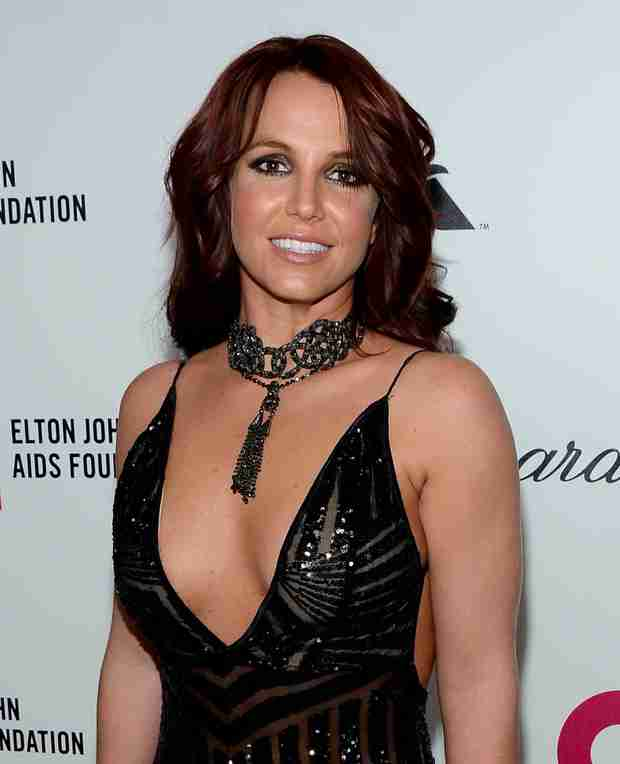 Britney Spears Nearly Unrecognizable at Elton John's Oscar Party! (PHOTO)