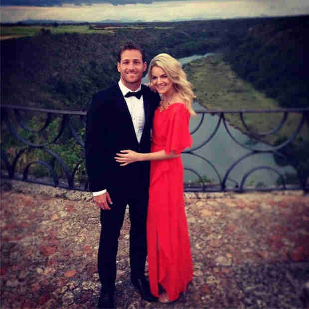 Juan Pablo and Nikki Ferrell Cuddle on Dominican Republic Vacation (VIDEO)