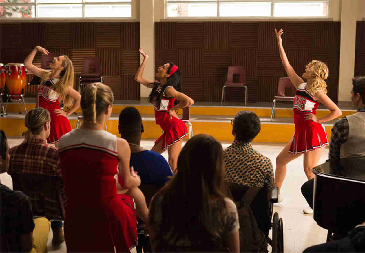 Glee's 100th Episode Sneak Peek — Everyone's Back! (VIDEO)