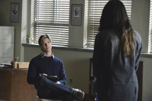 Pretty Little Liars Burning Question: Was Jason Working With Ezra?