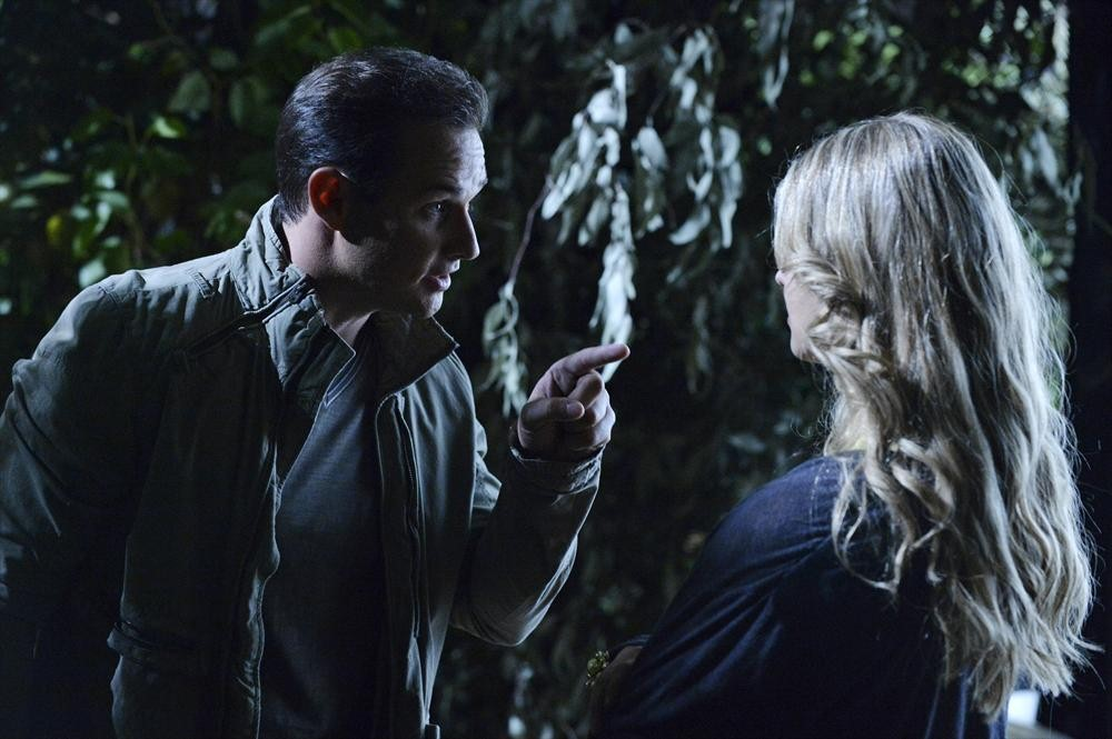 Pretty Little Liars Season 4: What the Promo Photos Tell Us About the Night Ali Disappeared