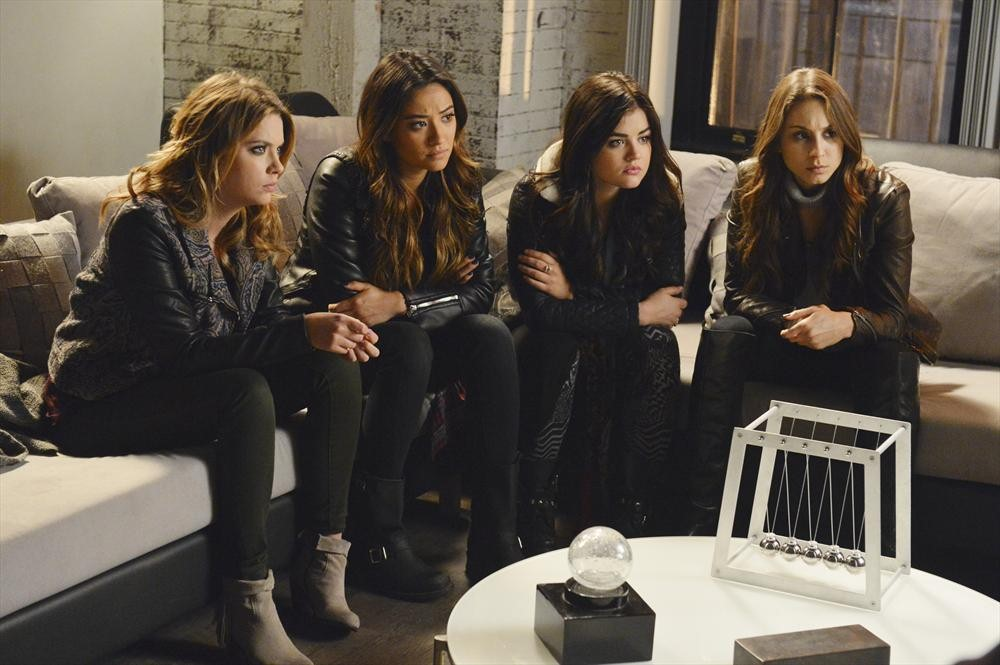 Pretty Little Liars Season 4 Finale Burning Questions: Was Mrs. DiLaurentis Working With CeCe?