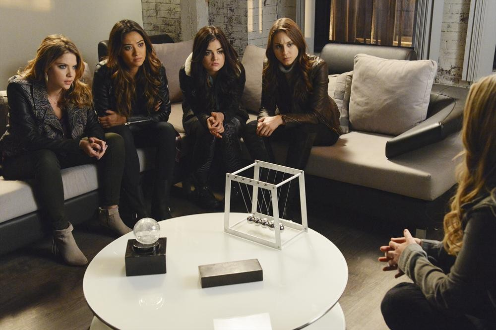 Pretty Little Liars Season 4 Finale Spoilers: 6 Things We Learn From the Canadian Promo