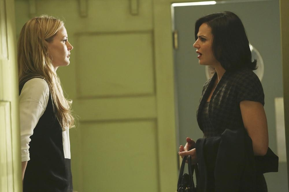 Once Upon a Time Season 3, Episode 13 Sneak Peek: Emma vs. Regina (VIDEO)