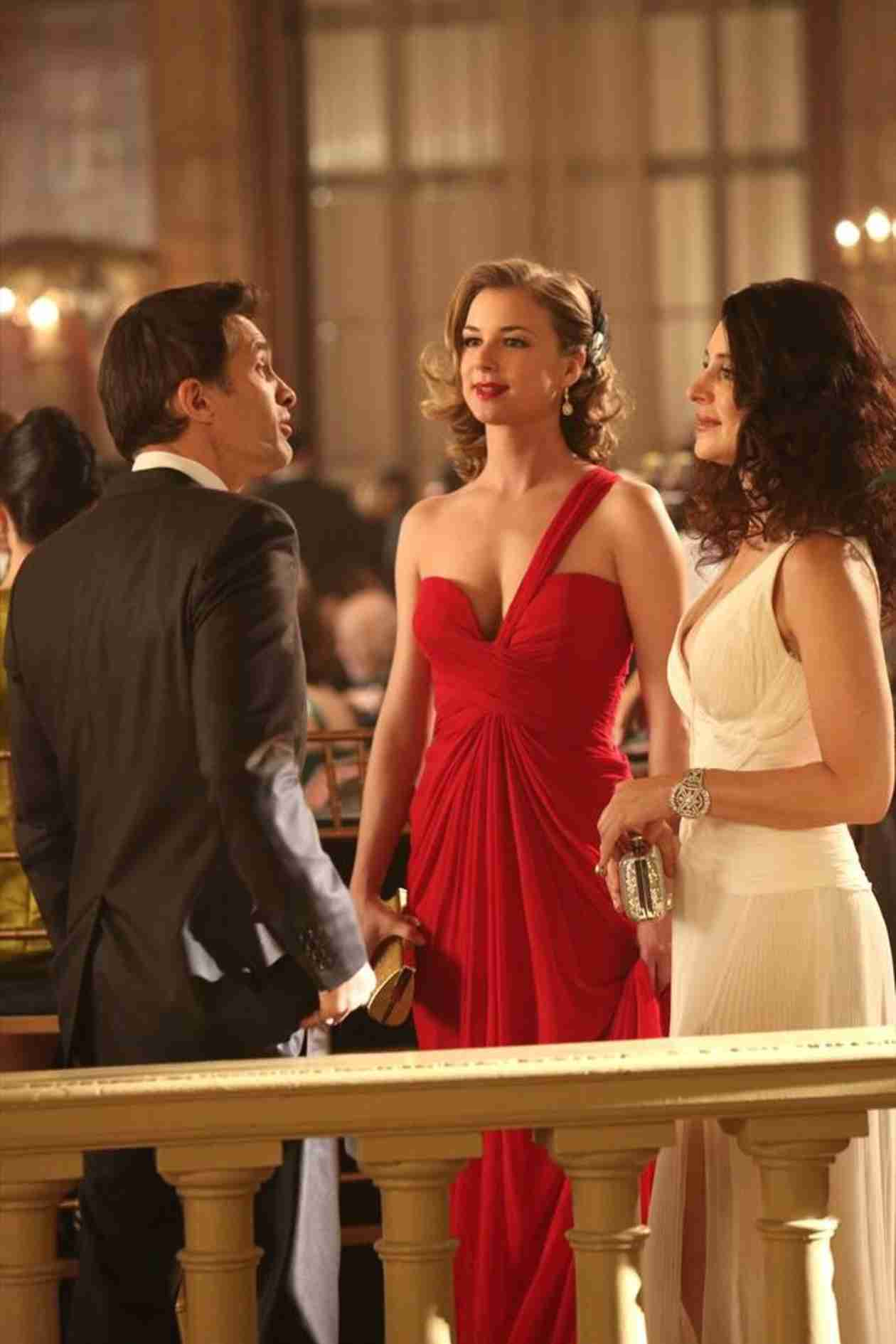 Revenge Season 3, Episode 17 Sneak Peek: Daniel Crashes Emily's Party (VIDEO)