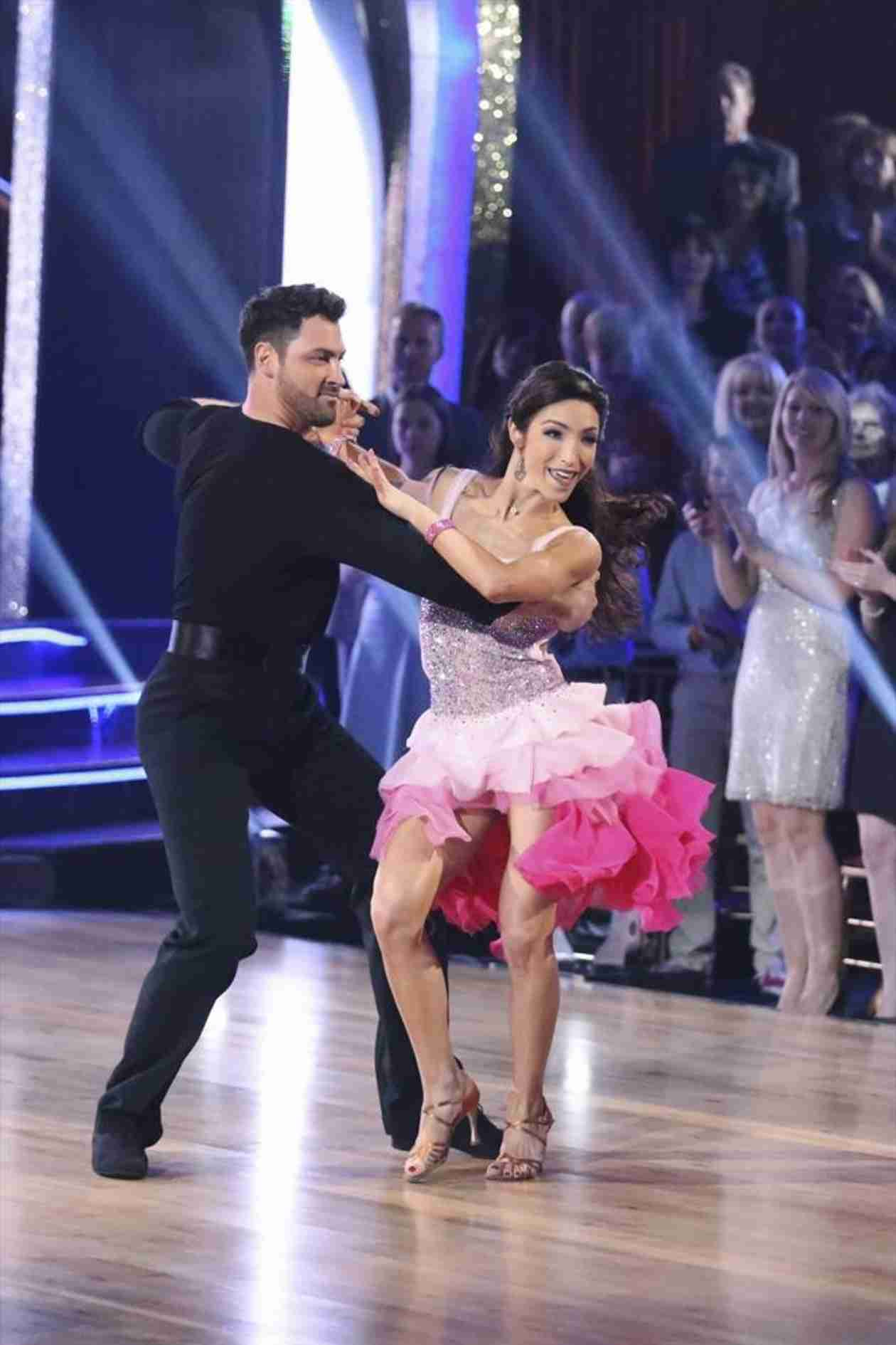 Dancing With the Stars 2014: Meryl Davis and Maksim Chmerkovskiy's Week 2 Swing (VIDEO)