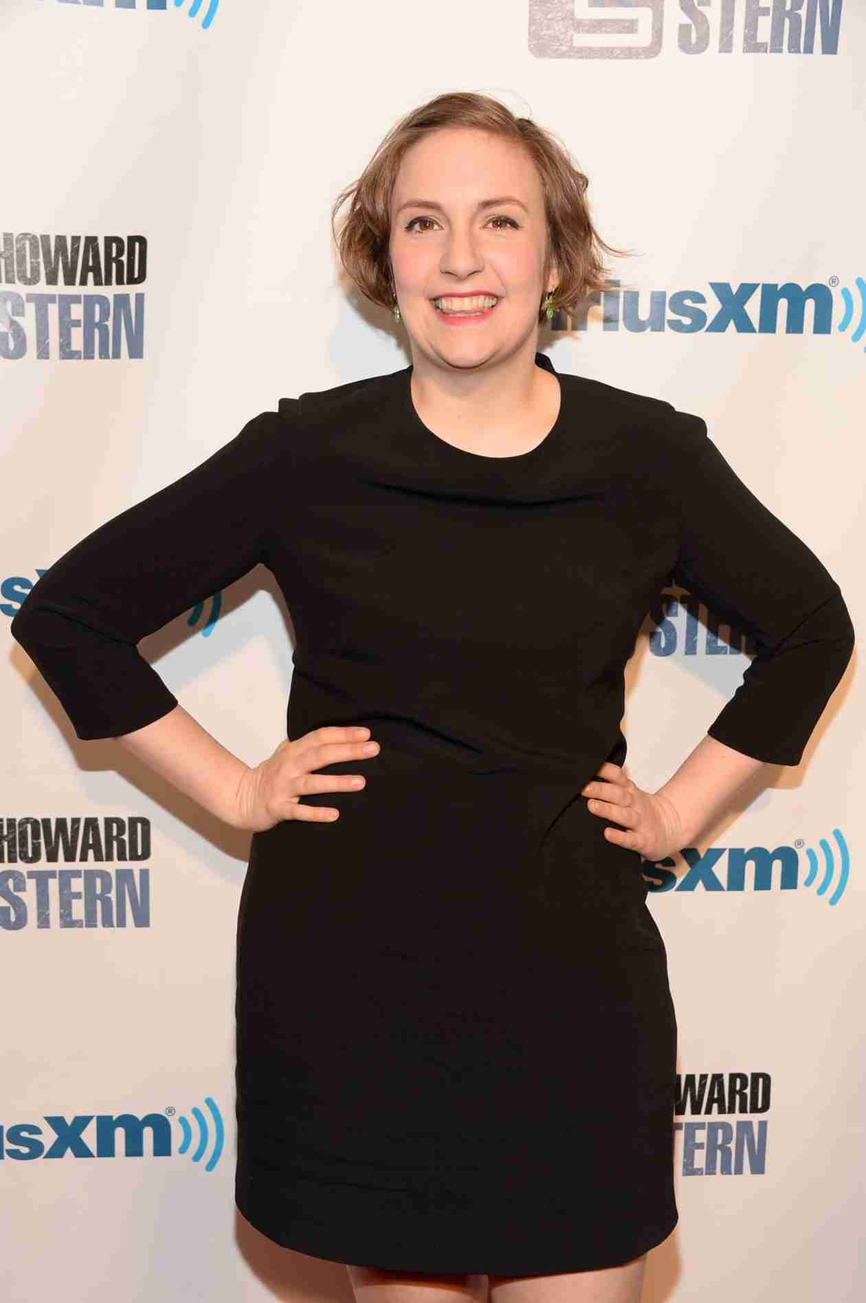 Lena Dunham Hosts SNL — Will You Be Watching? The Viggle Minute (VIDEO)