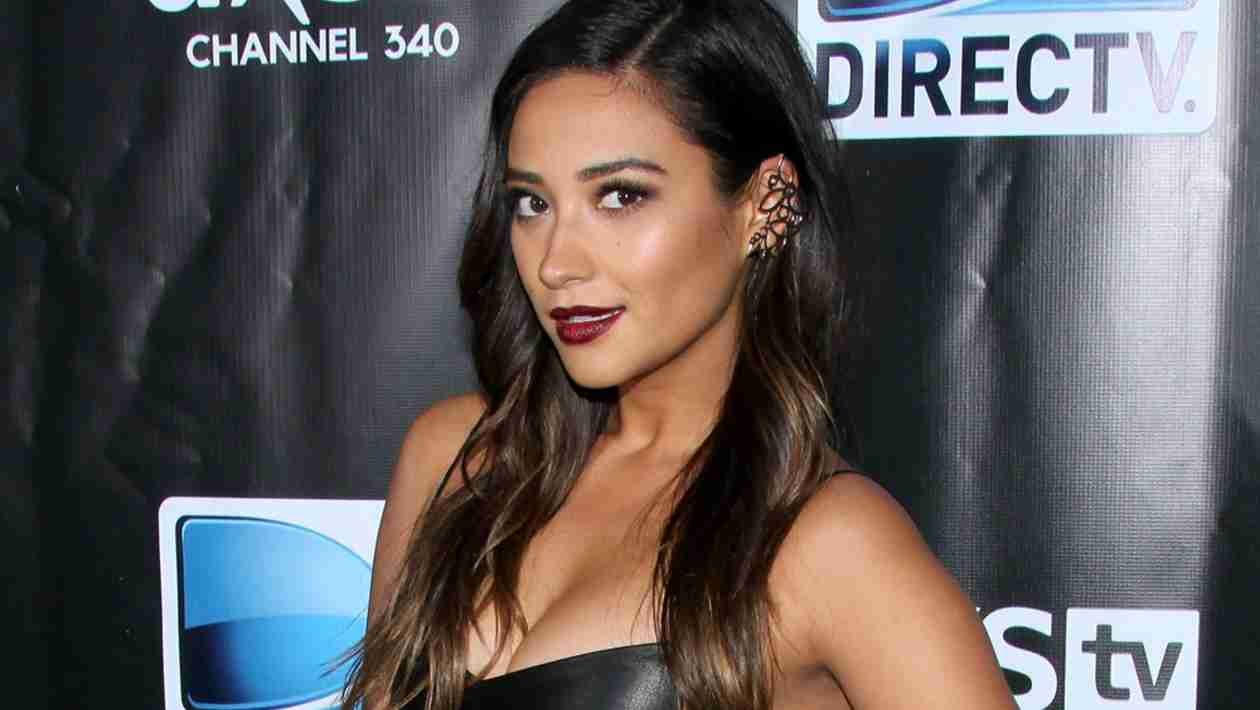 Who Topped Shay Mitchell's Best Dressed List at the 2014 Oscars?
