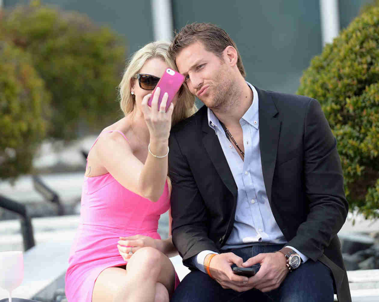 Juan Pablo Galavis and Nikki Ferrell Share Kisses, Take Selfies in Miami (PHOTOS)