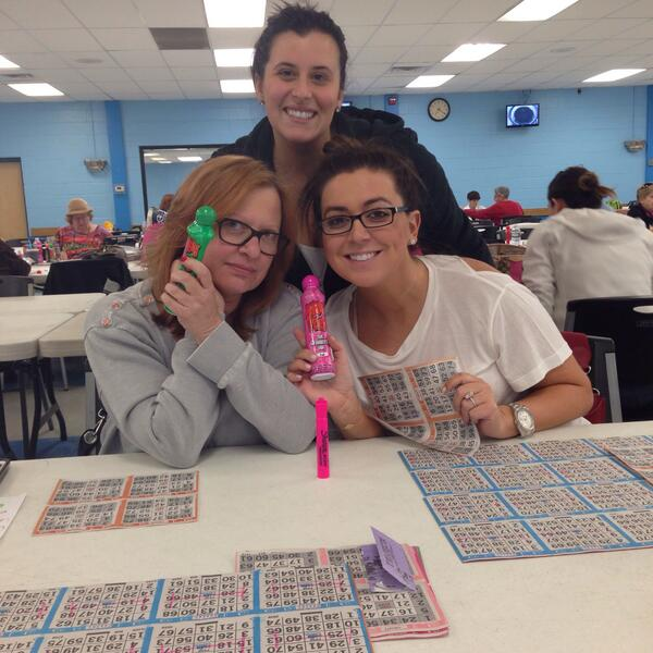 Caroline and Lauren Manzo Have a Bingo Night — Lauren Looks Tiny!