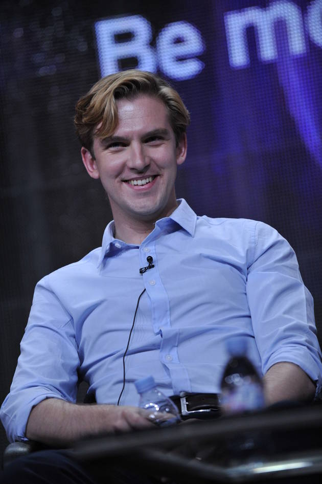 Matthew Crawley Wears a Skirt — Dan Stevens Reveals New Role!