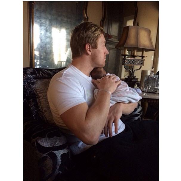 Kroy Biermann Gives Baby Kane a Bath — Cuteness Overload! (PHOTO)