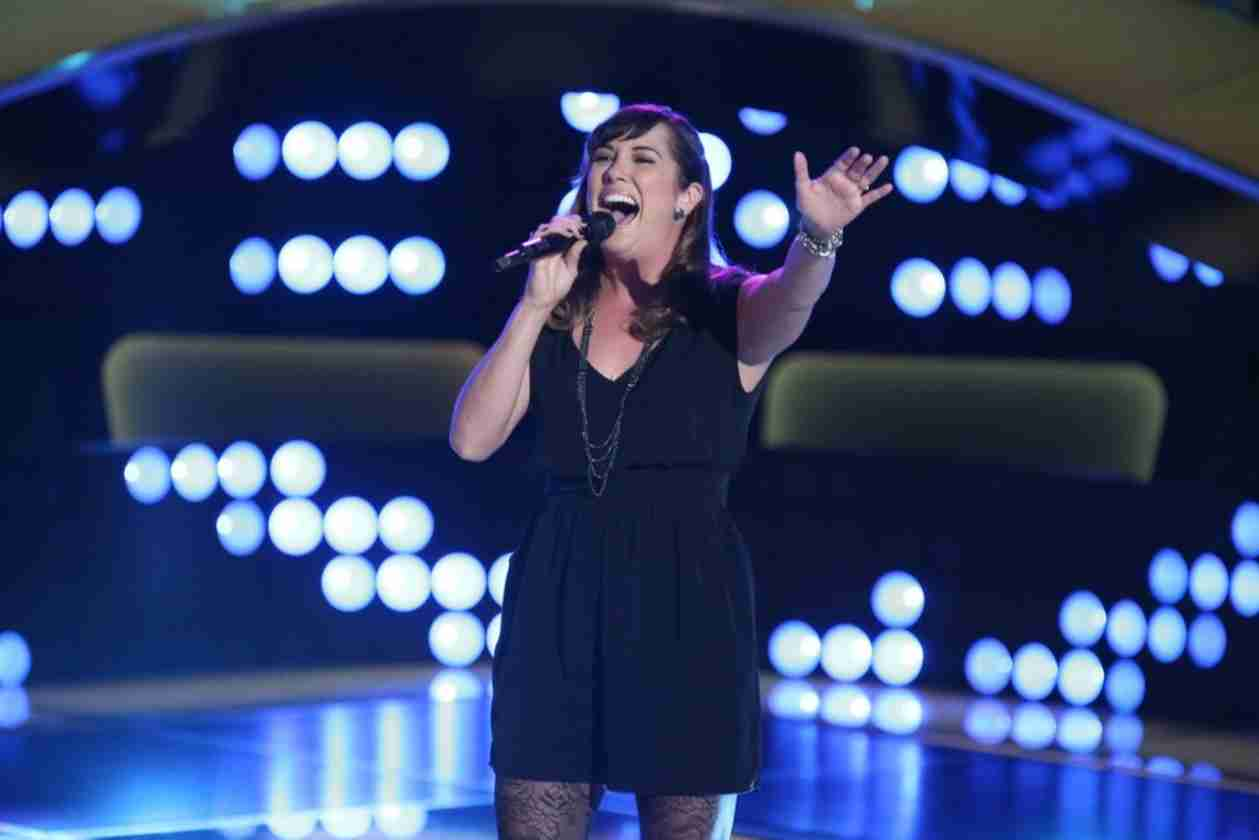 Watch Emily B Sing on The Voice 2014 Season 6 Blind Auditions (VIDEO)
