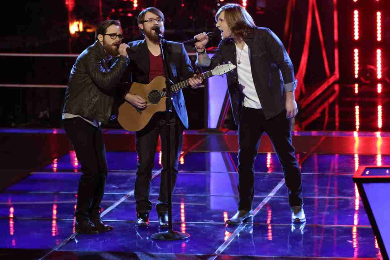 Watch The Brothers Walker vs Morgan Wallen on The Voice 2014 Season 6 Battle Rounds (VIDEO)