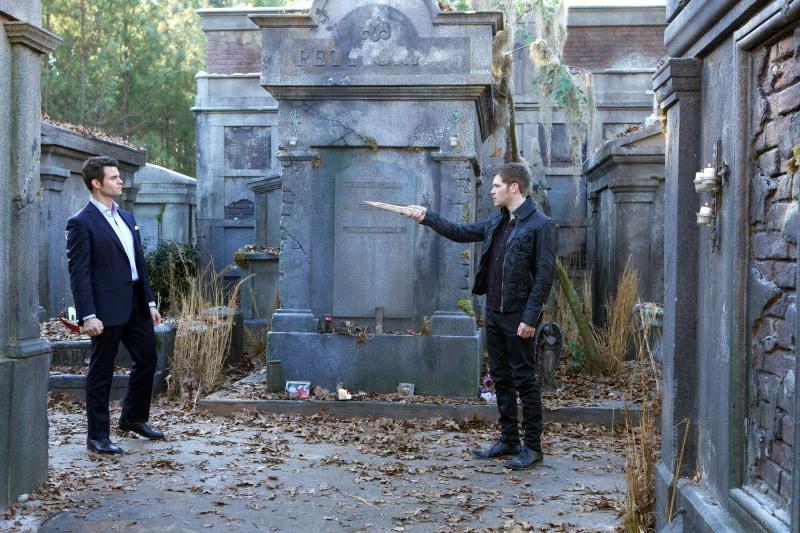 The Originals Sneak Peek: Season 1, Episode 16 — Elijah Confronts Klaus! (VIDEO)
