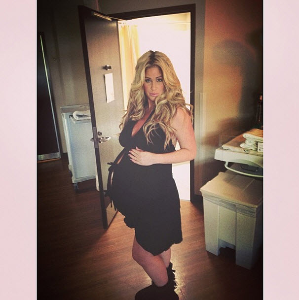 Kim Zolciak Looks Fitter Than Ever Just Months After Having Twins! (PHOTO)