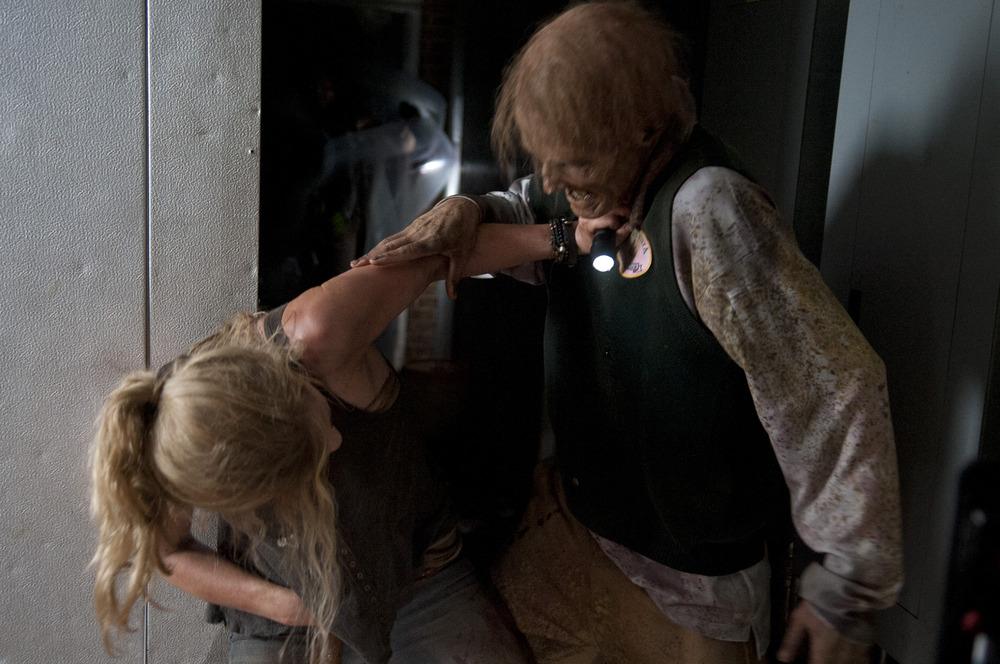 """The Walking Dead Season 4, Episode 13 Promos, Sneak Peeks: An """"Alone"""" Analysis"""