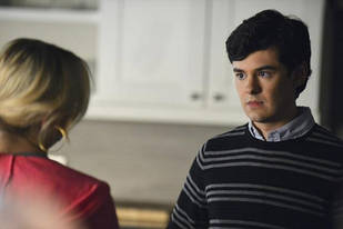 "Pretty Little Liars Season 5: Lucas Returns — But Is He ""A""?"