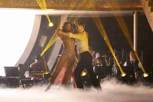 Amy Purdy Injured on Dancing With the Stars: She Gives Update