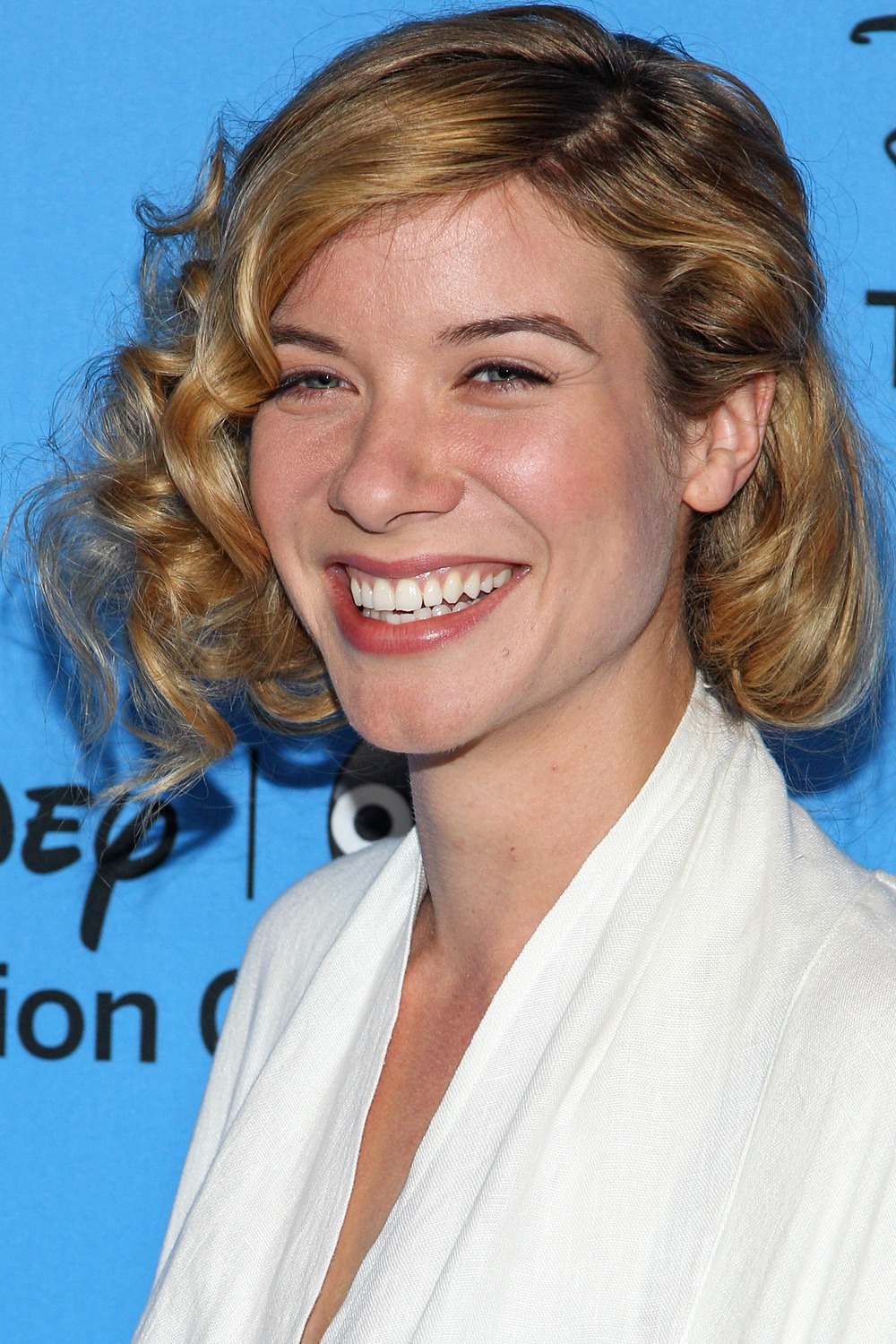 Grey's Anatomy's Tessa Ferrer Joins Extant, Halle Berry's New TV Series