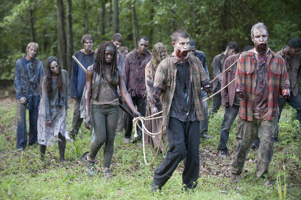 Scott Gimple Sounds Off on The Walking Dead's Popularity, Celebrity Walkers