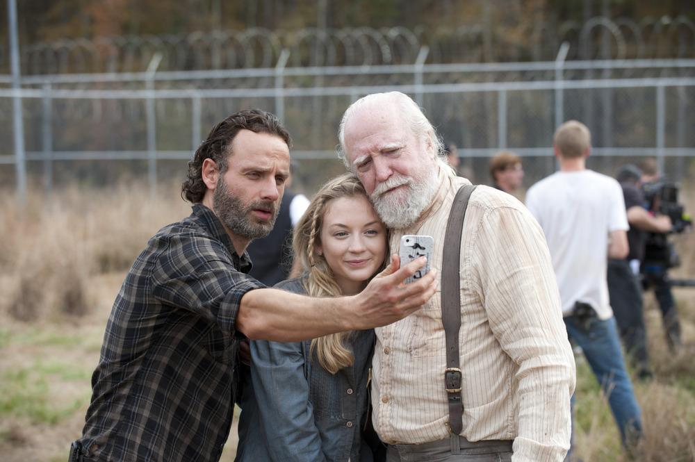 """The Walking Dead: Emily Kinney Recounts Moment She Felt She """"Belonged"""" on Set"""