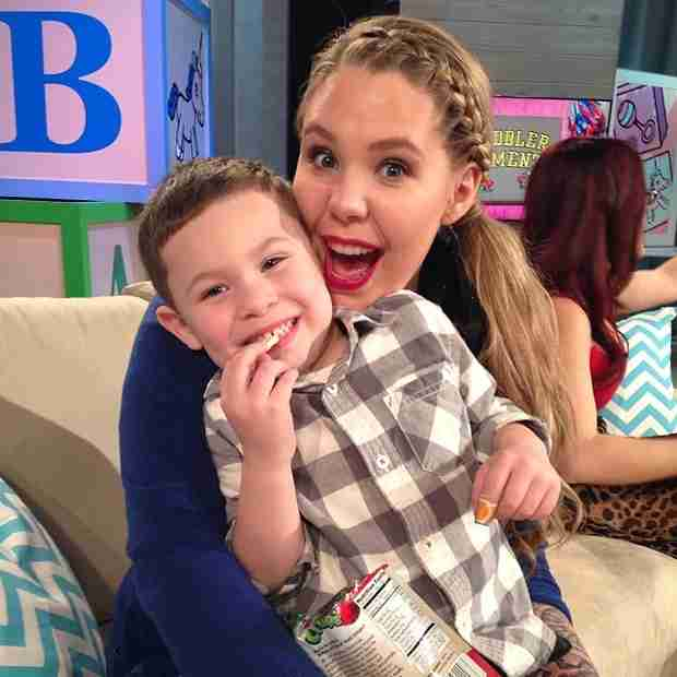 "Kailyn Lowry Fights Back Against ""Team Jo"" Fans on Twitter"