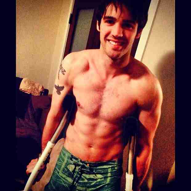 Vampire Diaries Star Steven R. McQueen Goes Shirtless, We Swoon (PHOTO)