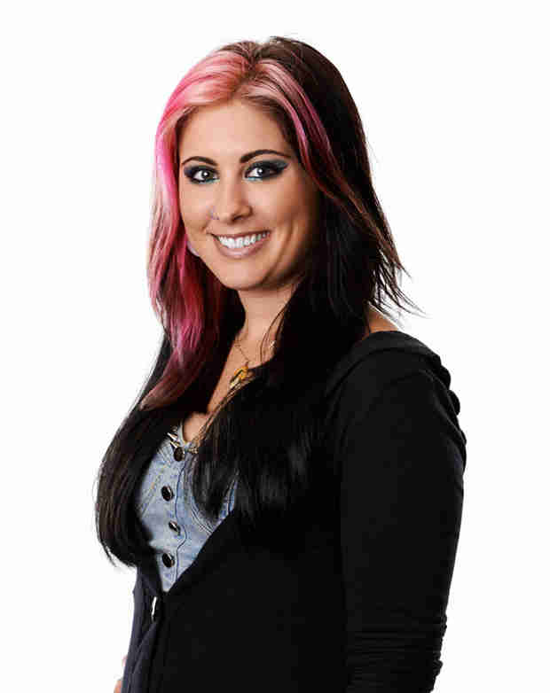 "Watch Jessica Meuse Sing ""Gunpowder and Lead"" in American Idol 2014 Top 7 — April 16, 2014"