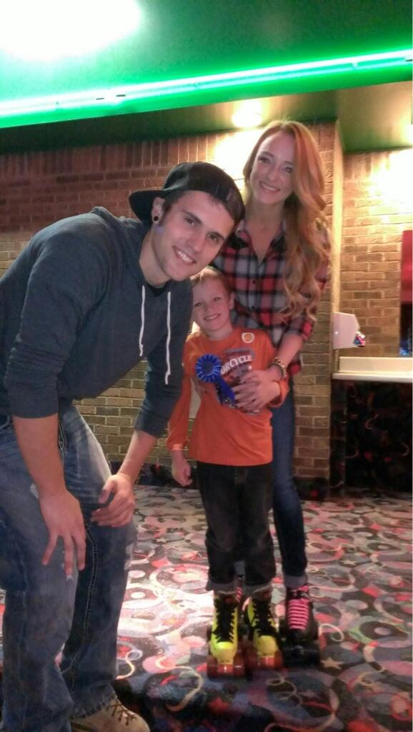 Maci Bookout Gives Ryan Edwards Emotional Support on Twitter!