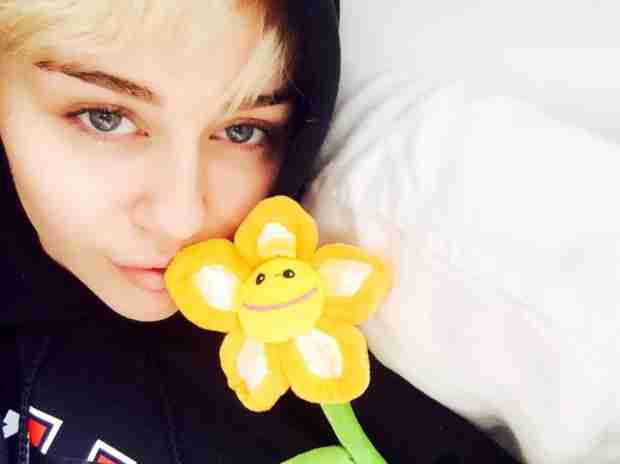 "Miley Cyrus Tweets About Her ""Road 2 Recovery"""