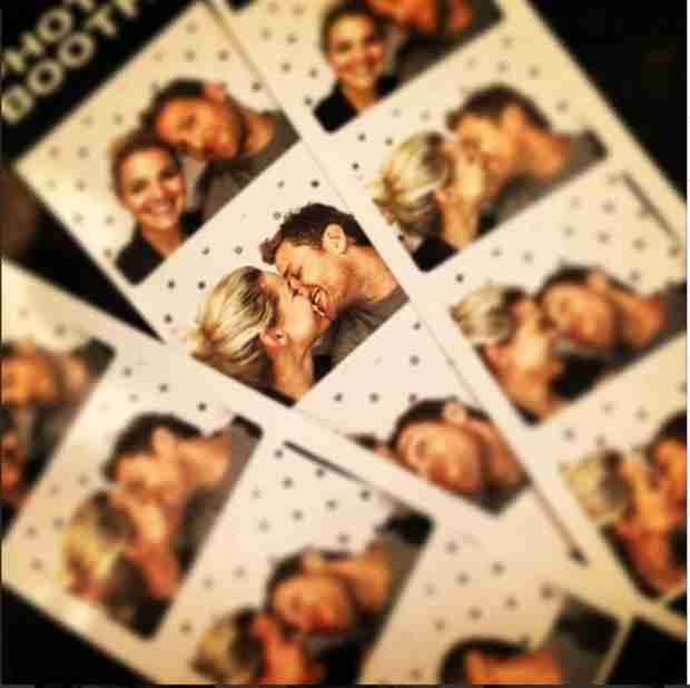 "Nikki Ferrell and Juan Pablo Galavis Make Out in Photo Booth: They're ""Cutes—t""? (PHOTO)"